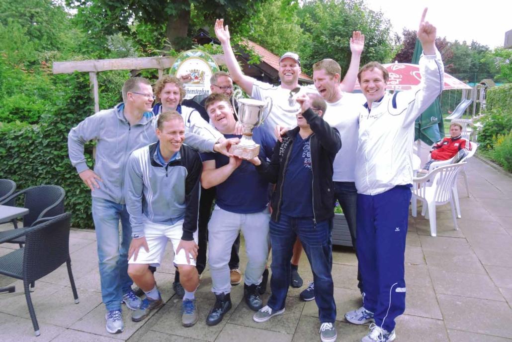 Tennisclub Blau-Weiß Lemgo   Aufstieg 2017